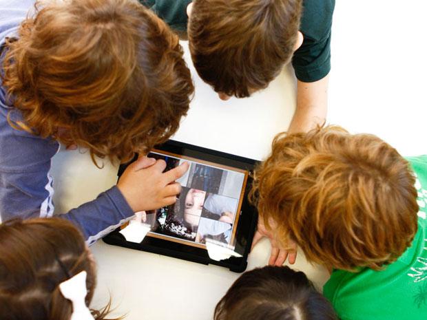 Em Porto Alegre, crianças estão sendo alfabetizadas com iPads
