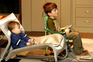 Crianças começam a consumir mídia com apenas 1 ano de idade