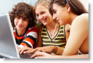 2/3 dos casos de cyberbullying ocorrem entre garotas, diz pesquisa nos EUA