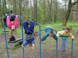 Deixar as crianças livres para brincar é o melhor para o desenvolvimento infantil