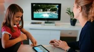 Para que as mães querem um tablet? Para jogar com os filhos!